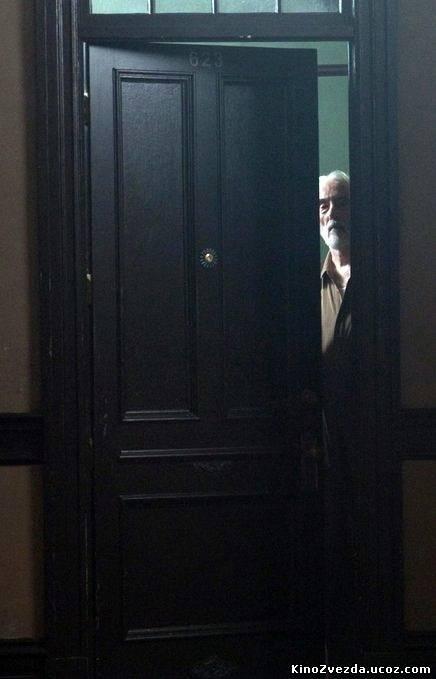 Ловушка / The Resident (2011) смотреть онлайн